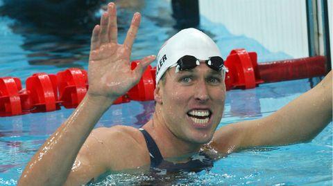 Schwimm-Olympiasieger Klete Keller am Beckenrand (Archivbild)