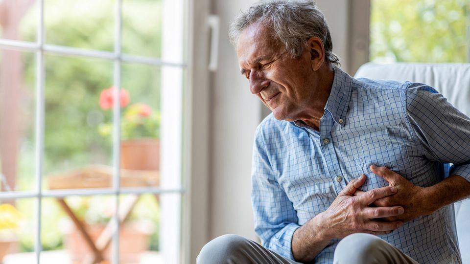 Die Diagnose: Er bekommt schwer Luft. Schuld ist ein Ausschlag vor langer Zeit