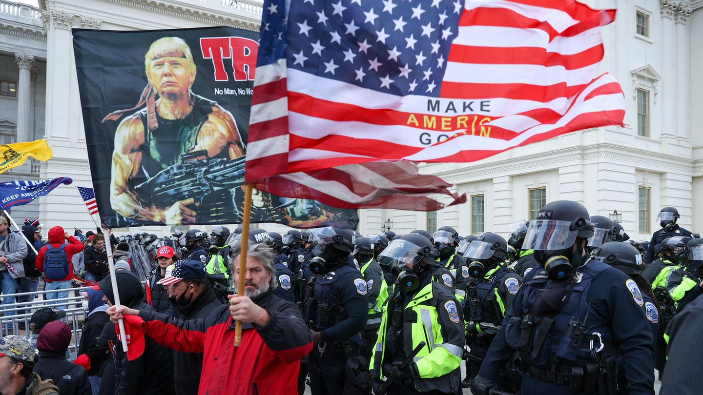 """Jack Bratich: Professor analysiert Botschaften der Trump-Jünger: """"Bidens Amtsantritt sehen sie als Beginn des Bürgerkriegs"""""""
