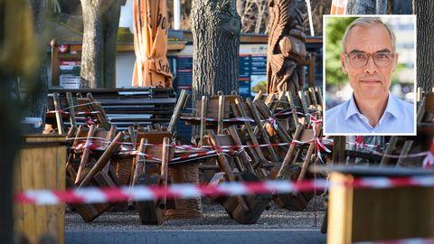 Berlin: An einem Imbiss am Ferienpark Rübezahl am Müggelsee stehen Stühle und Tische, die mit Absperrband umwickelt sind